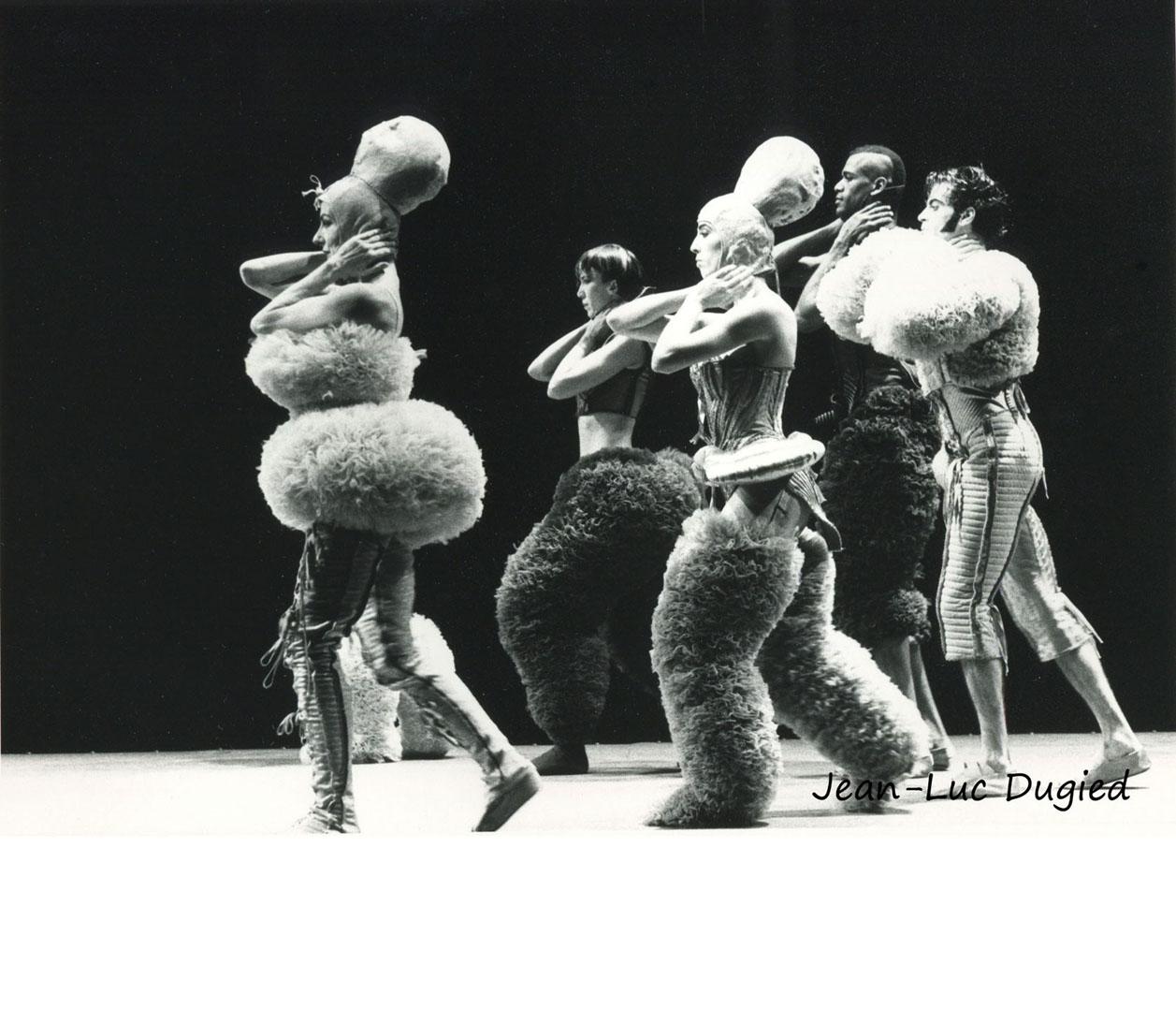 14 Chopinot Régine - le défilé de Jean-Paul Gaultier - 1985