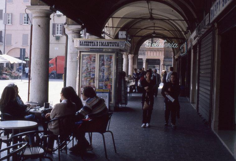 Piazza delle erbe Mantova - Italie - 1998
