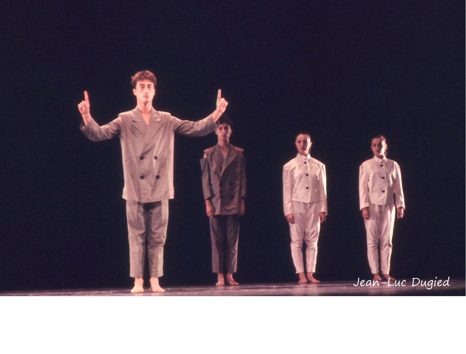 21 Jeune Ballet de France 2 - un sucre ou deux - chor. Daniel Larrieu - 1984
