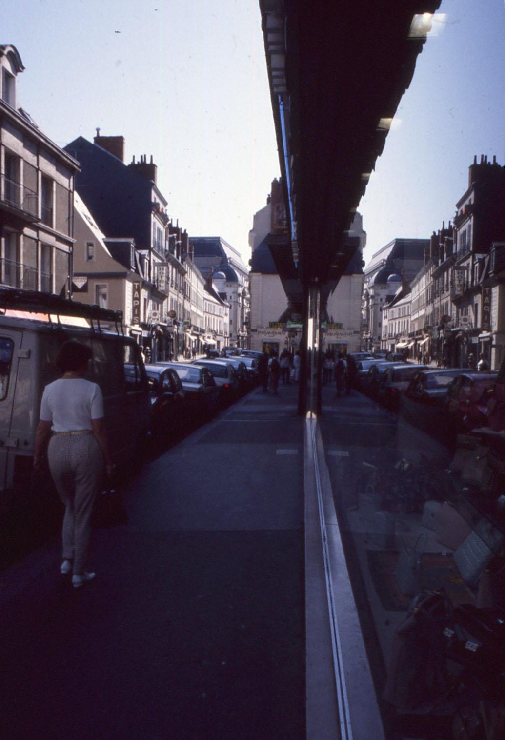22 tours rue de la scellerie 1996