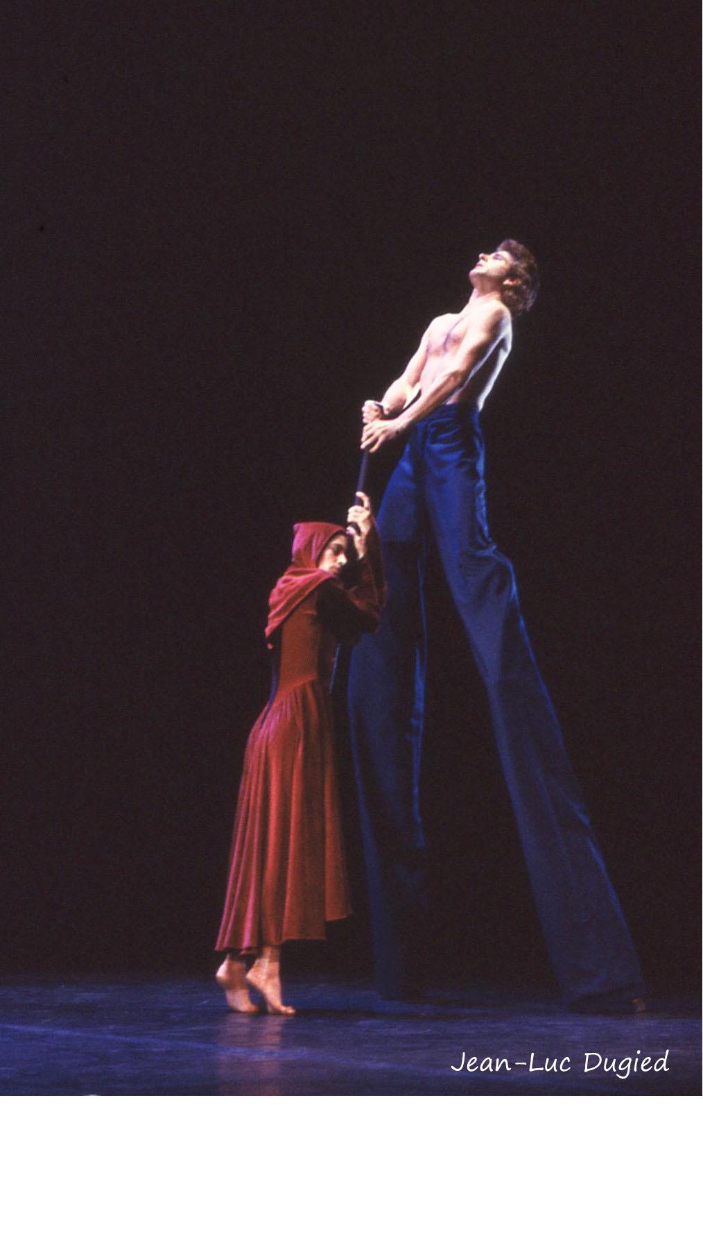 23 Pilobolus - stabat mater - Tim Latta et Cynthia Quinn - 1984