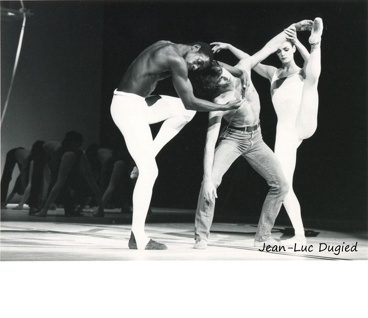 24 Béjart Maurice - messe pour le temps futur - Ronald Perry, Gil Roman et Schonach Mirk - 1984