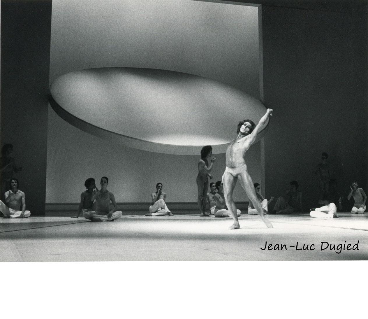 25 Béjart Maurice - messe pour le temps futur -  Jorge Donn et le ballet du xxe siècle - 1984