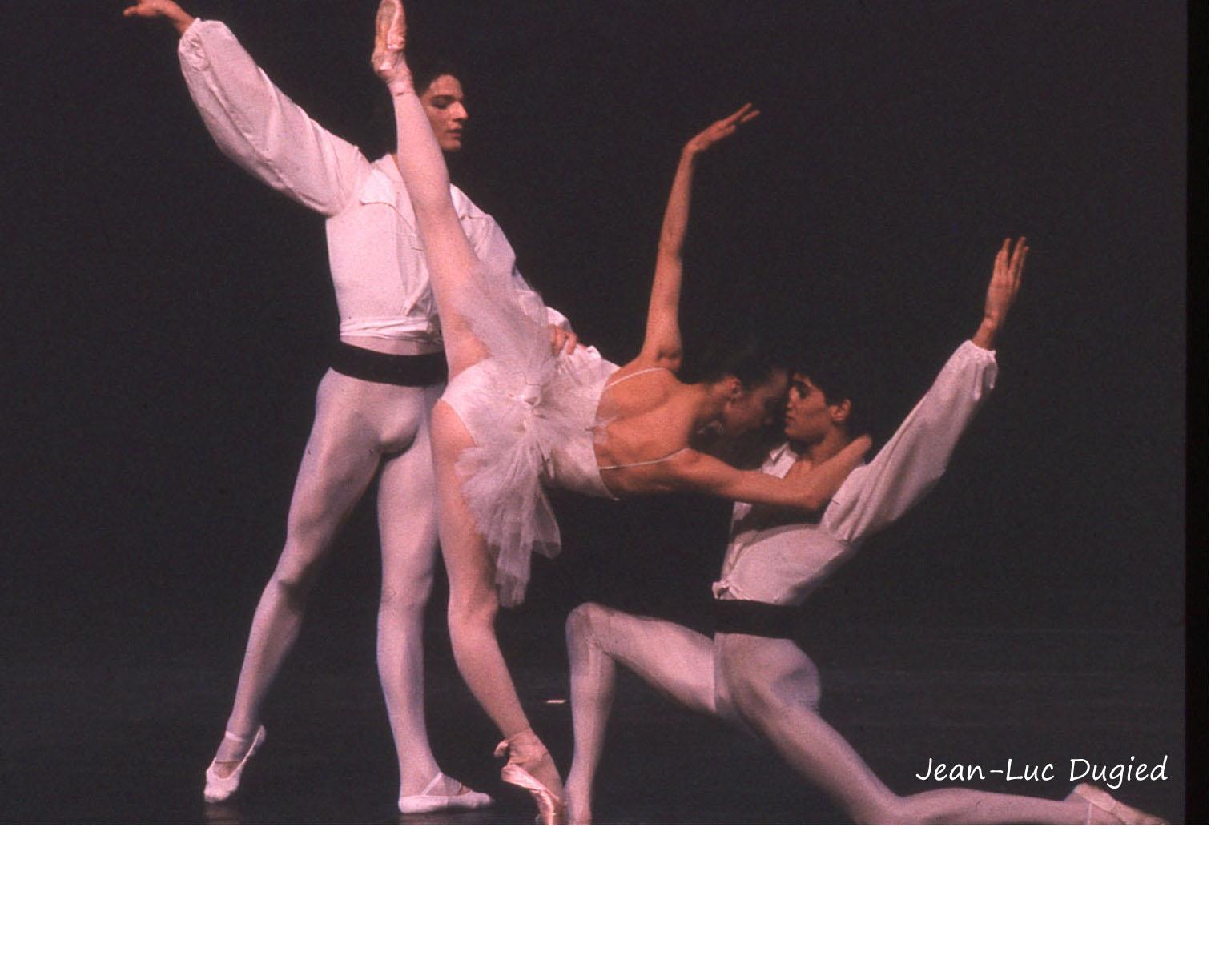 27 Jeune Ballet de France 3 - suite en blanc - chor. Serge Lifar - 1986