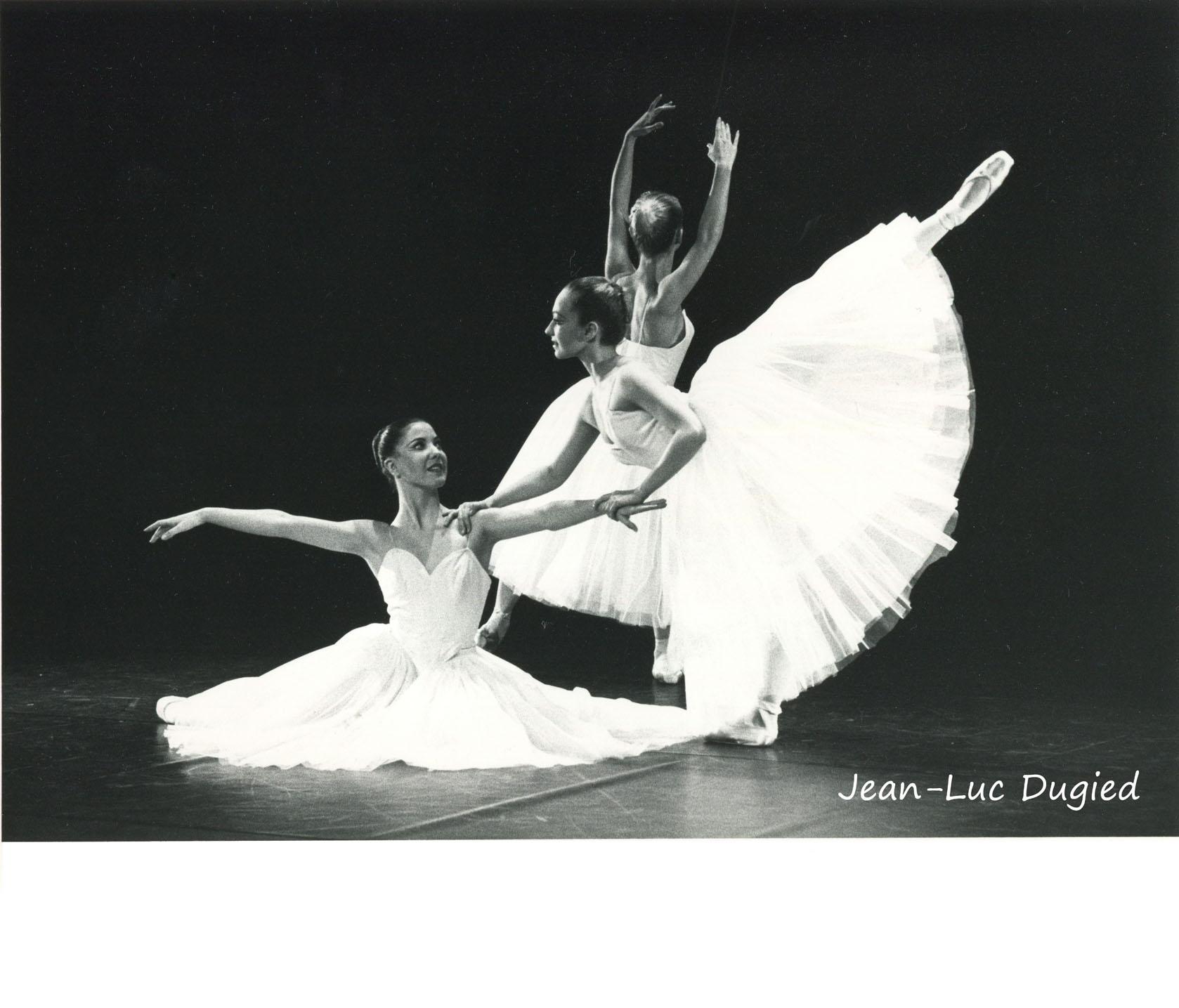 28 Jeune Ballet de France 3 - suite en blanc - chor. Serge Lifar - 1986