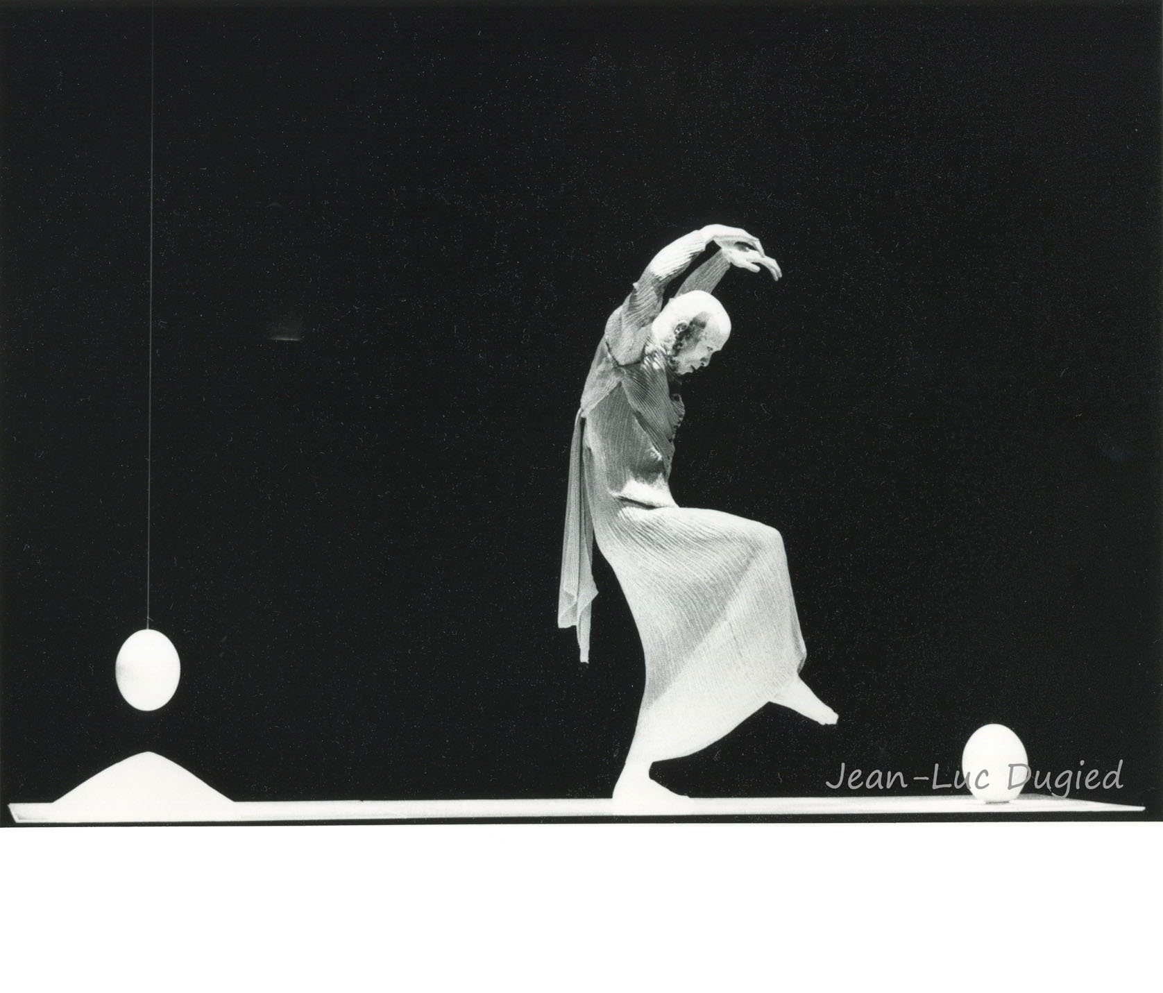 29 Sankai Juku - Unetsu (des oeufs debout par curiosité) - chor. Ushio Amagatsu - 1986