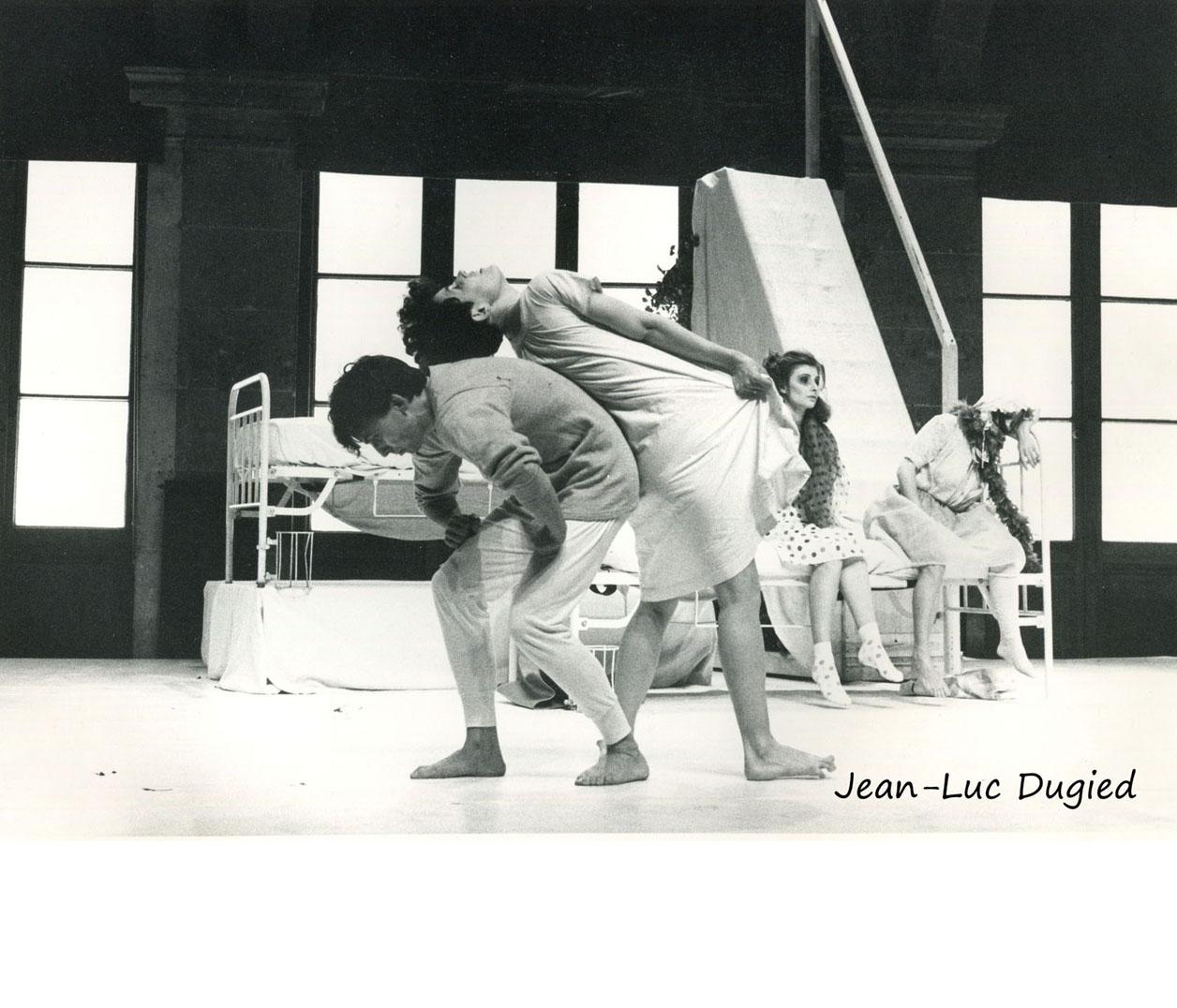 35 Ramseyer Jean-Claude - évènement hystérique - avec A. Chauvin, Isabelle Calleau et H. Strzelbicka - 1984