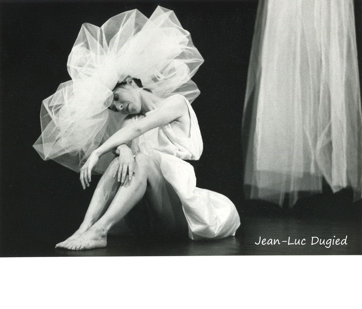 40 Motus - trois pièces à vendre (label jaune) - Manuèle Robert - Chor. Manuèle Robert et Sophie Mathey - 1987