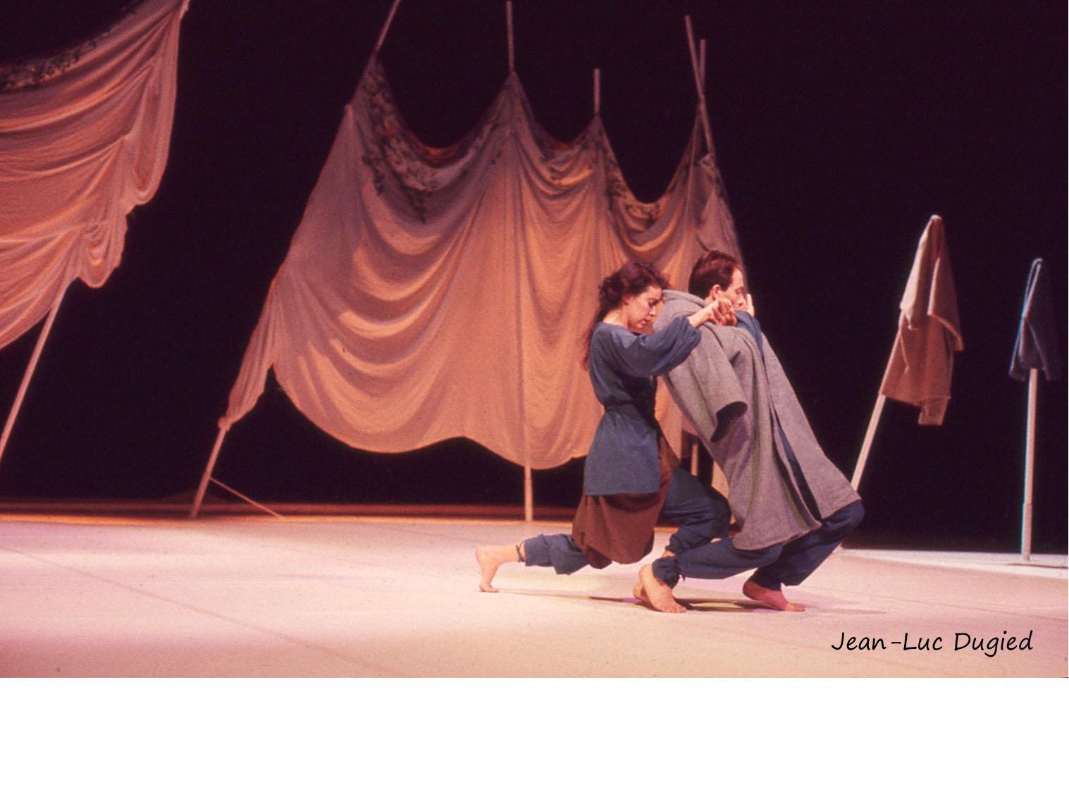 8 Breuker Marilen - éphémère effigie- Marilen Breuker et Luc Petton - 1988