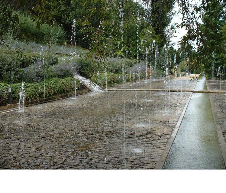 Les jardins de l'imaginaire à Terrasson - 2005